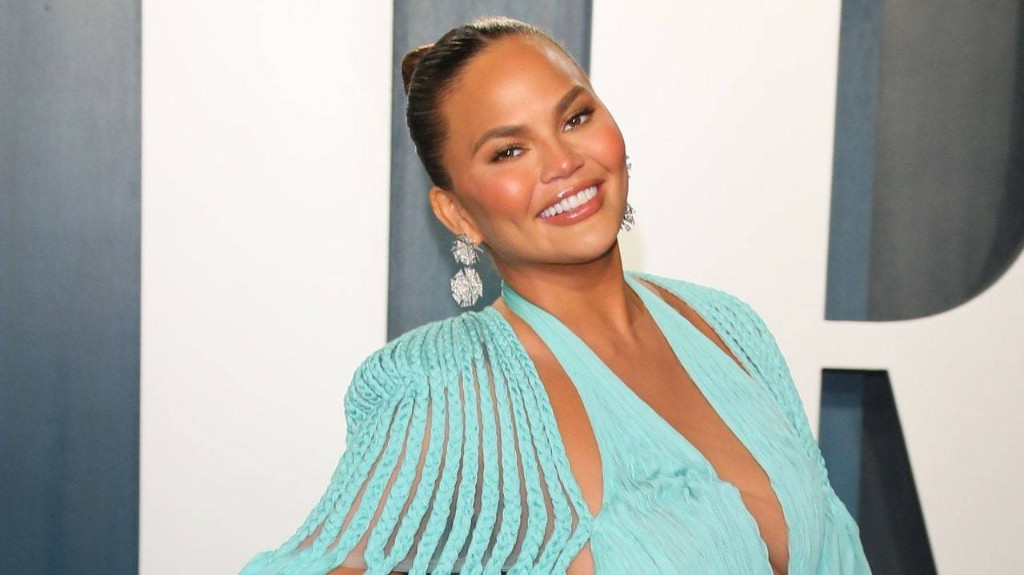 Chrissy Teigen's Daughter Luna Insists on Running Her Bath and Washing Her Hair
