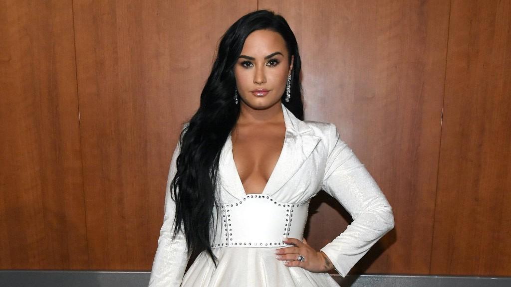 Demi Lovato Traded in Her Long Hair for an Asymmetrical Lob