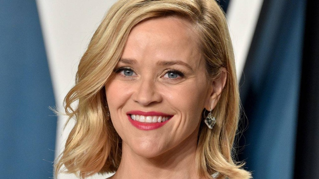 Reese Witherspoon Used a $15 Face Serum as Makeup Primer for the Emmys