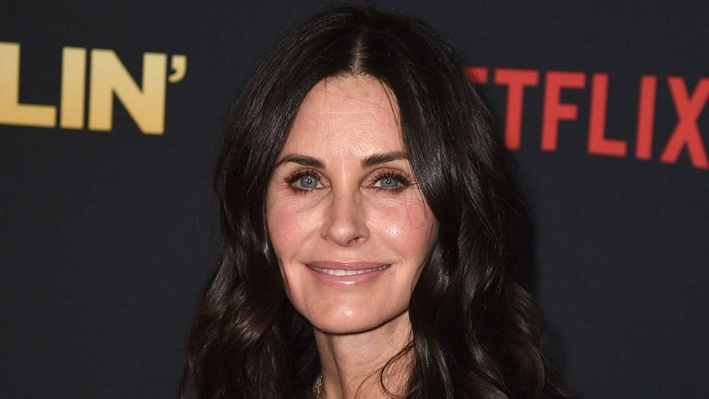 Courtney Cox Just Debuted Shaggy Bangs for Fall