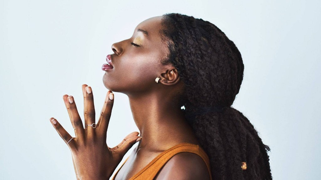 The 14 Best Sunscreens That Don't Leave a White Cast on Dark Skin Tones