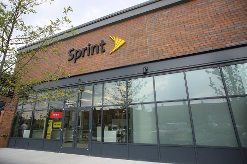 Sprint offering 50% off comparable plans for those switching from Verizon, AT&T, and T-Mobile