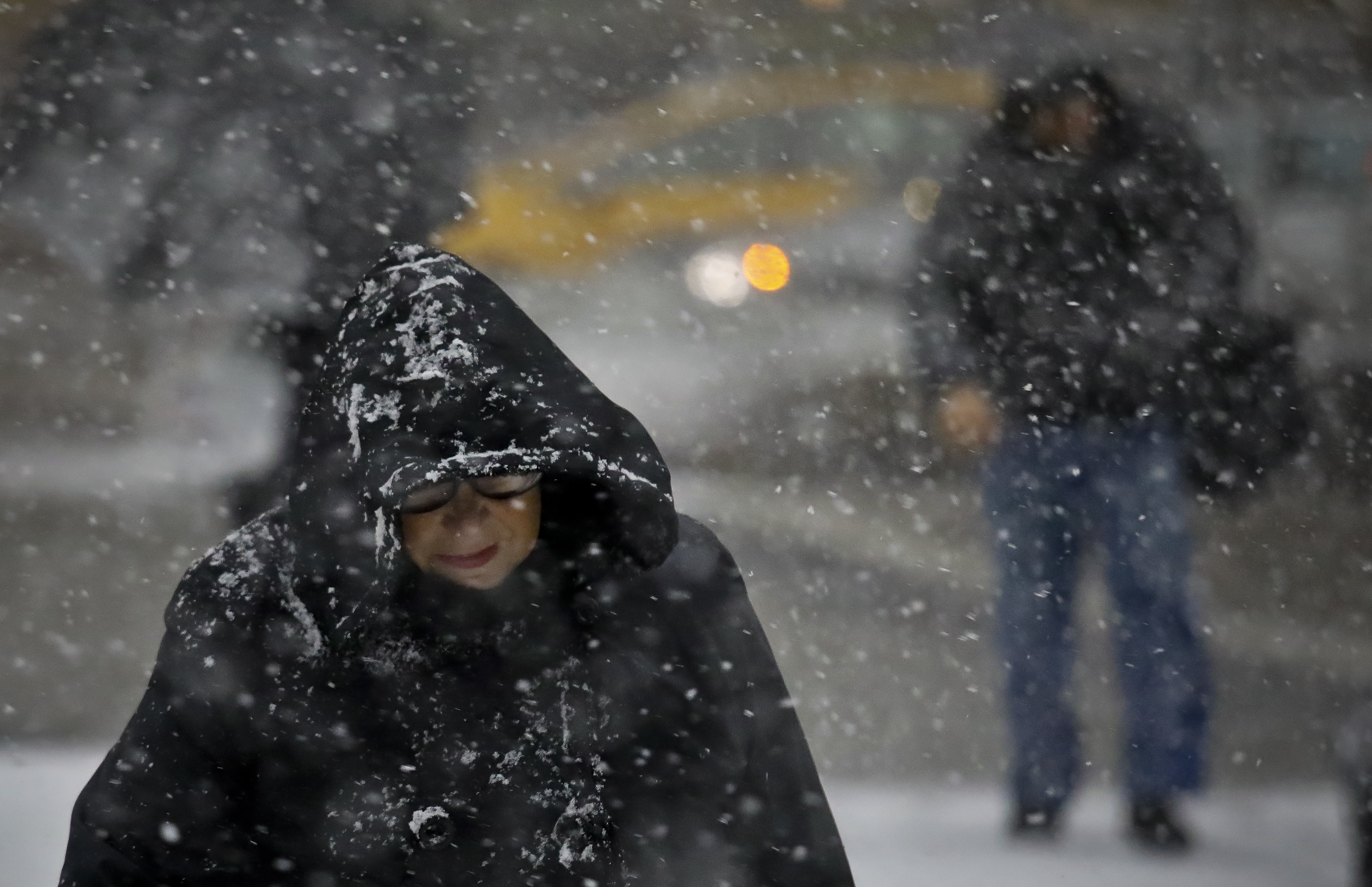 Snowstorm slows evening commute in New York City