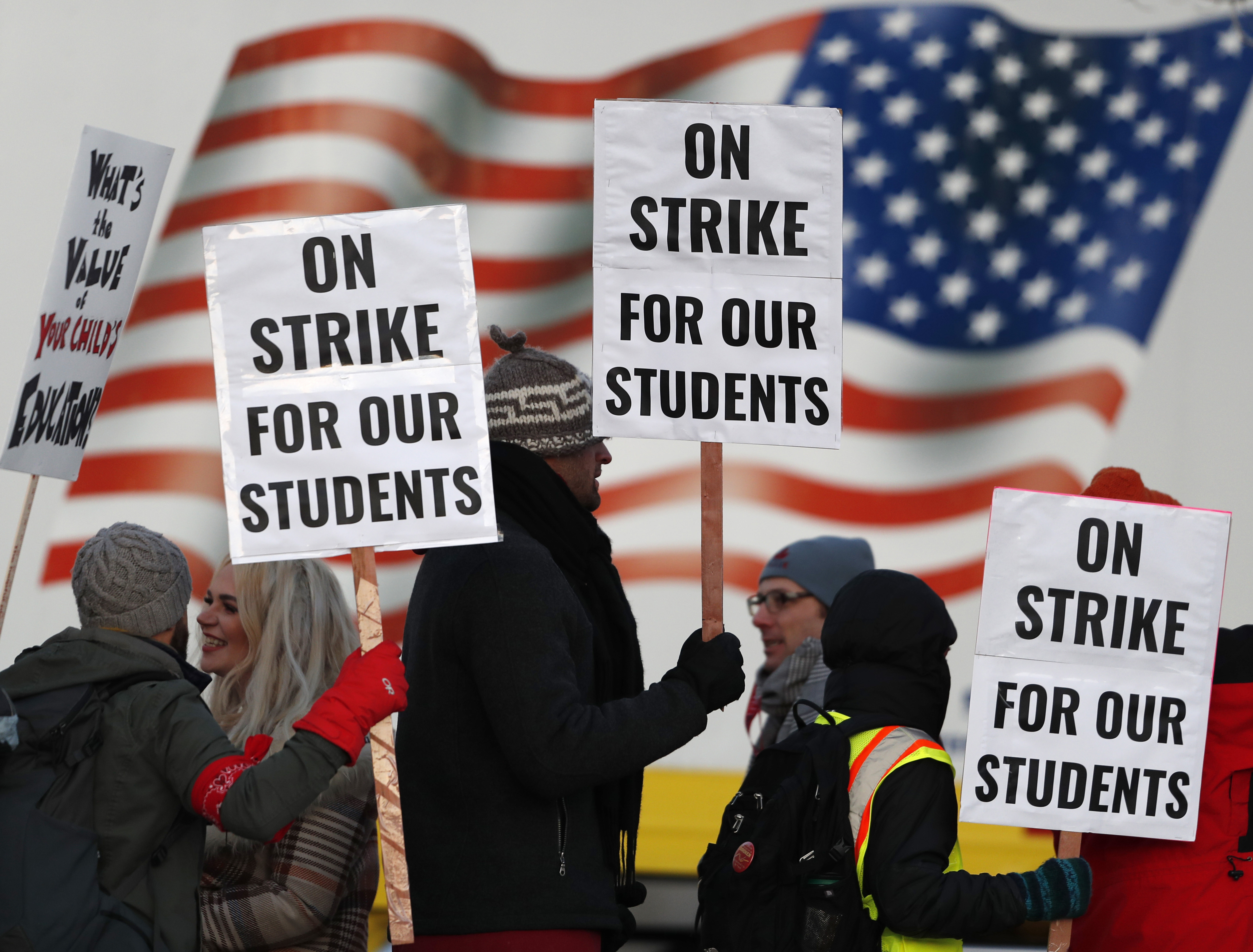 Oakland teachers announce strike over pay, class sizes