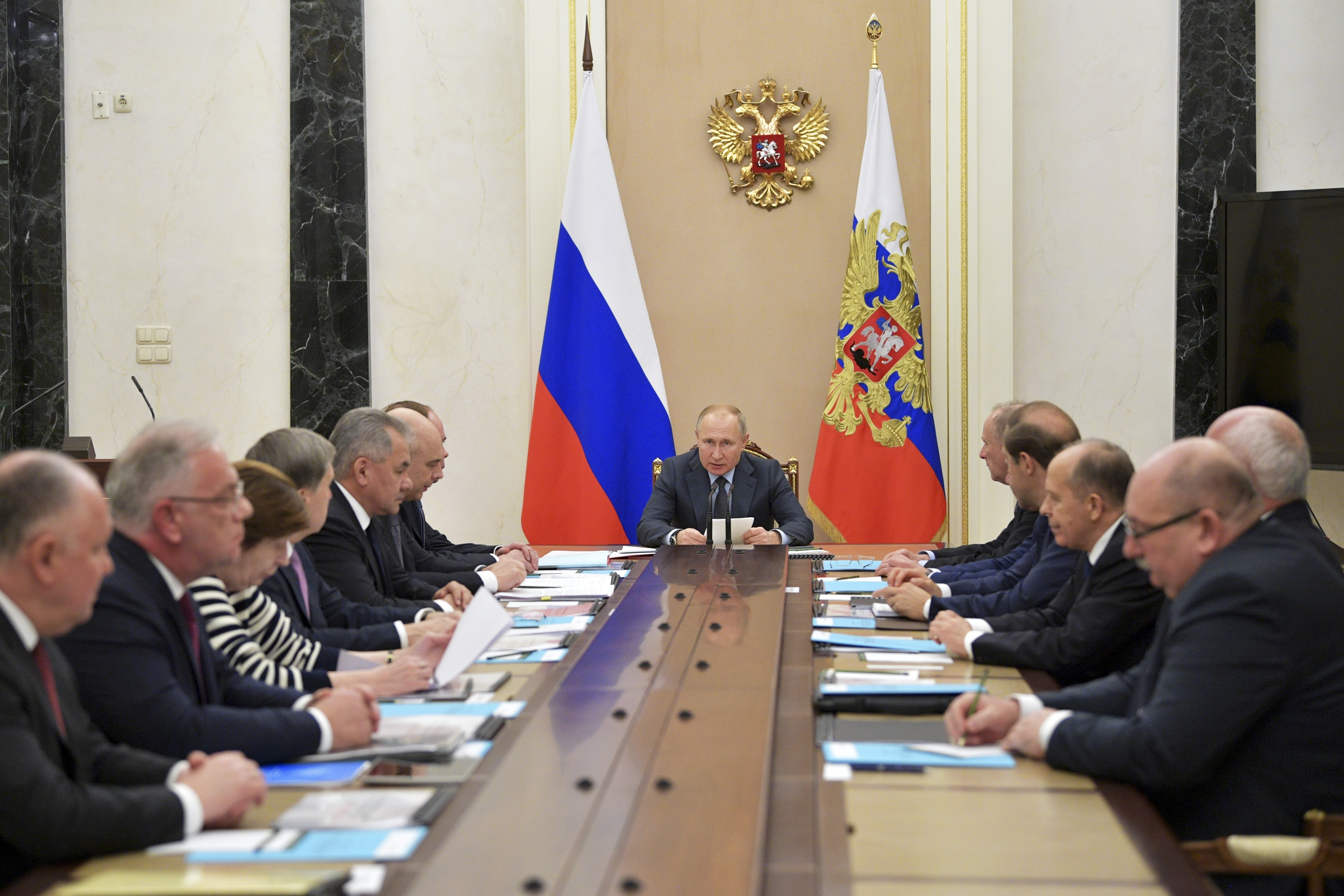 Putin hails Russian arms sales abroad