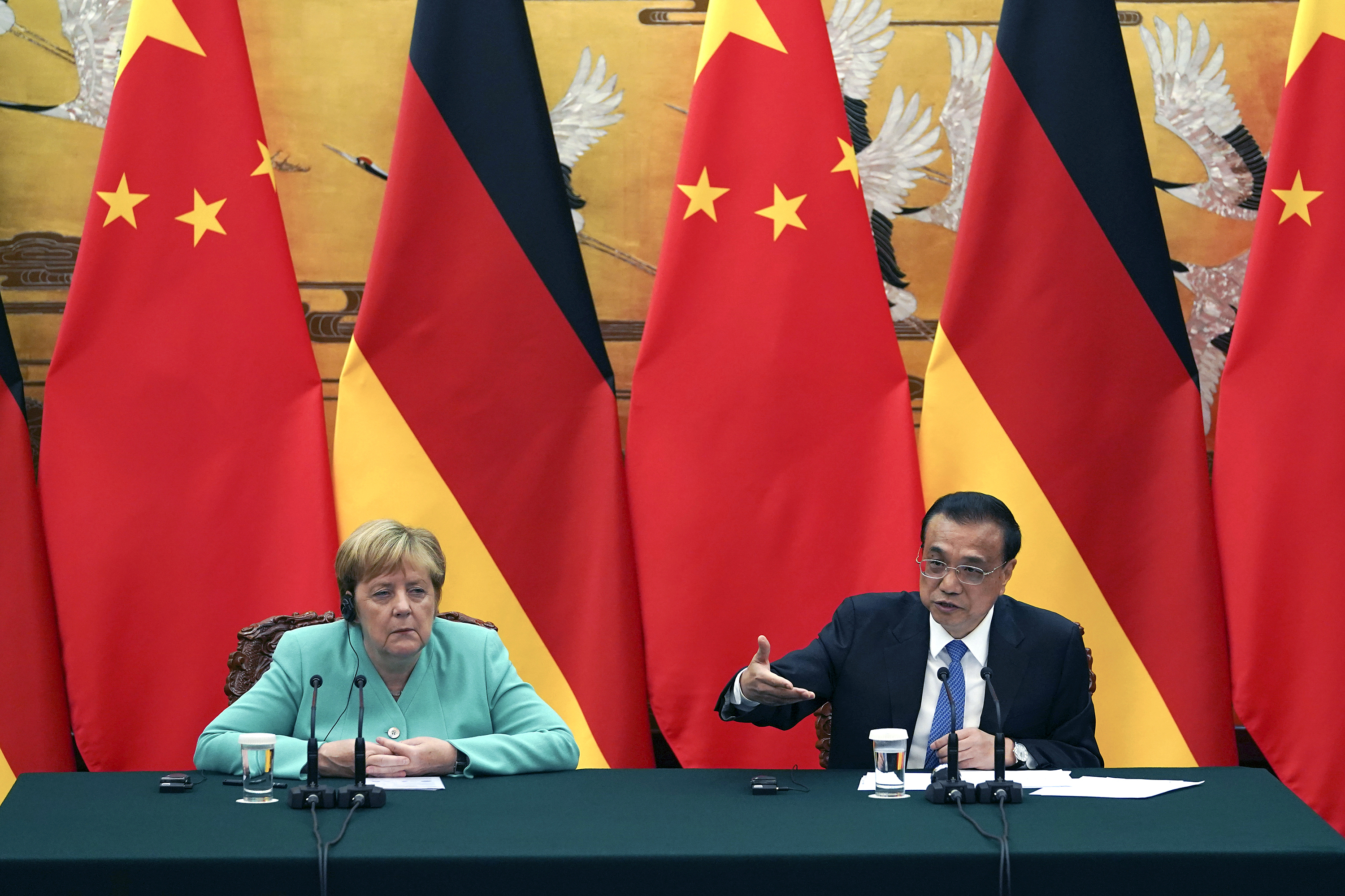 Merkel: Germany must engage in rights dialogue with China
