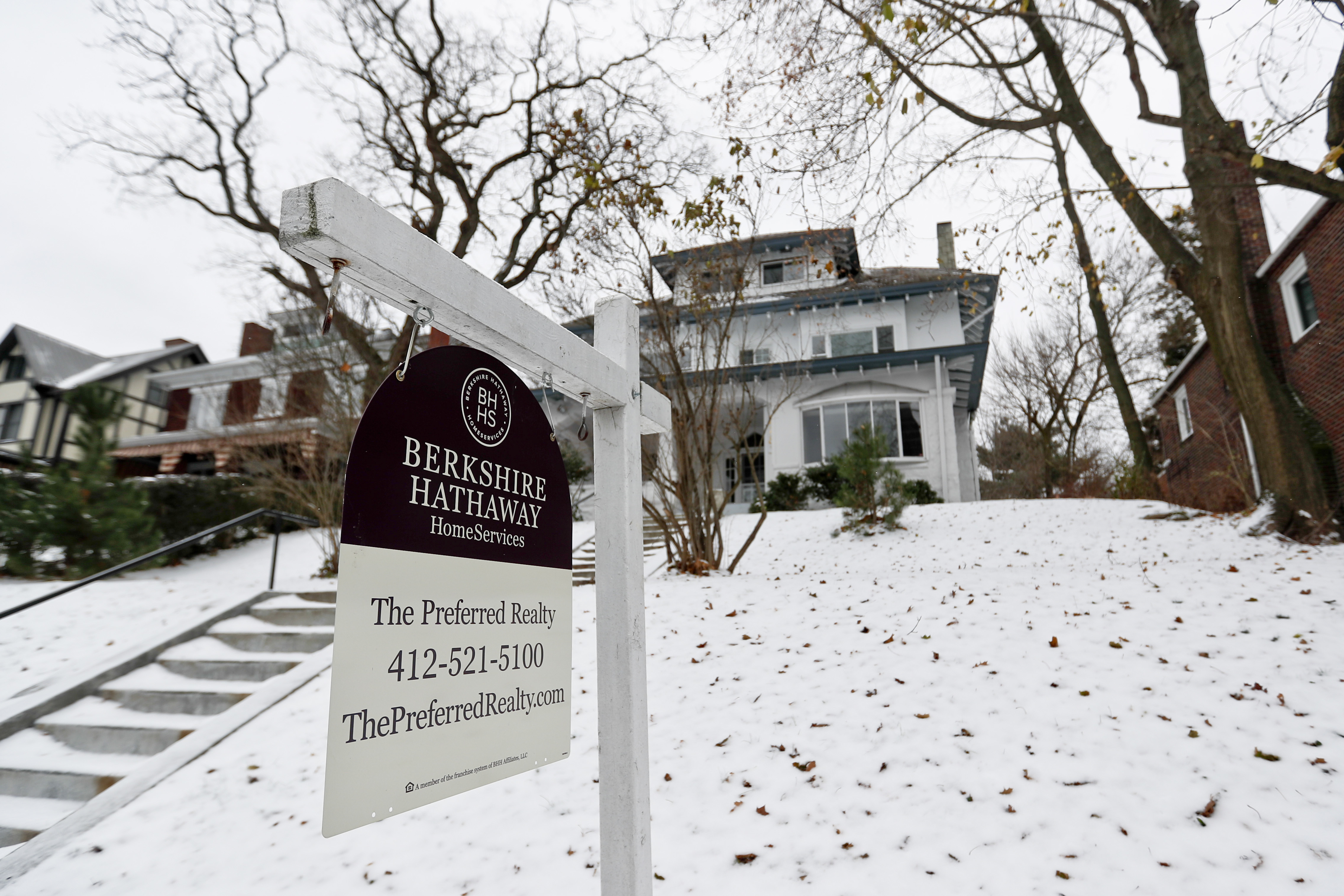 US average mortgage rates steady; 30-year stays at 4.81 pct.