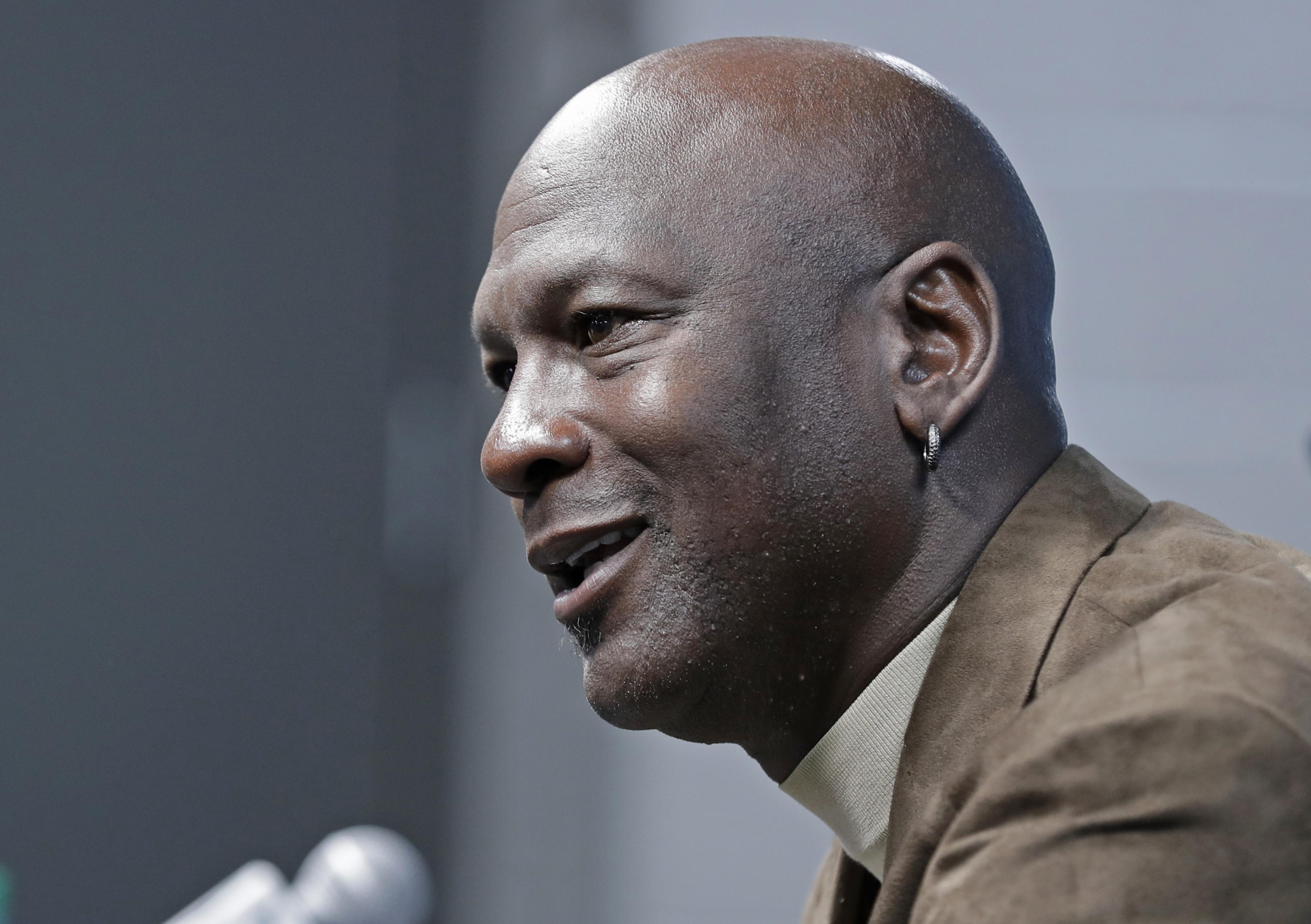 High court won't referee dispute over Michael Jordan images