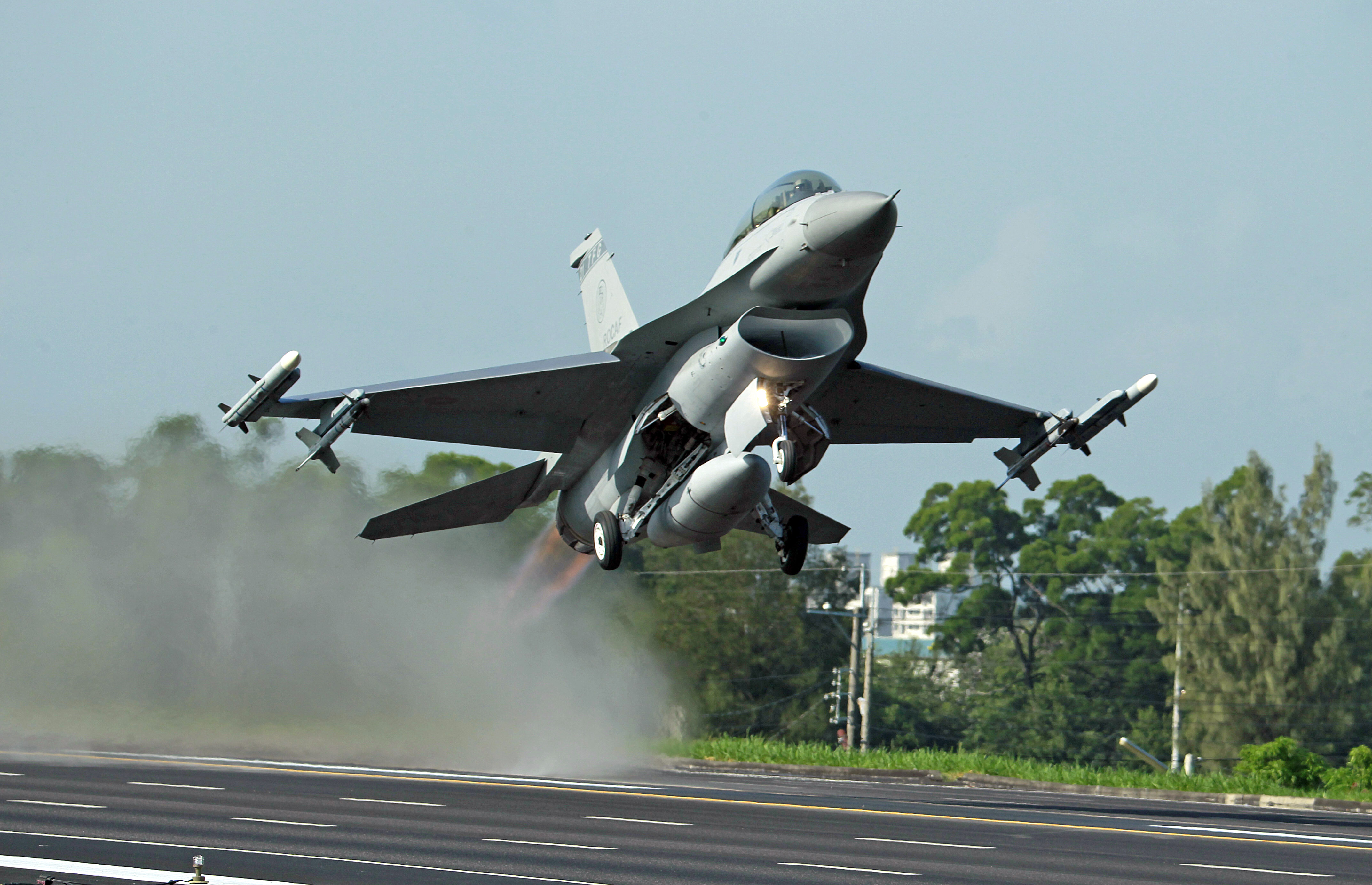 China 'will not sit idly' if US sells fighter jets to Taiwan
