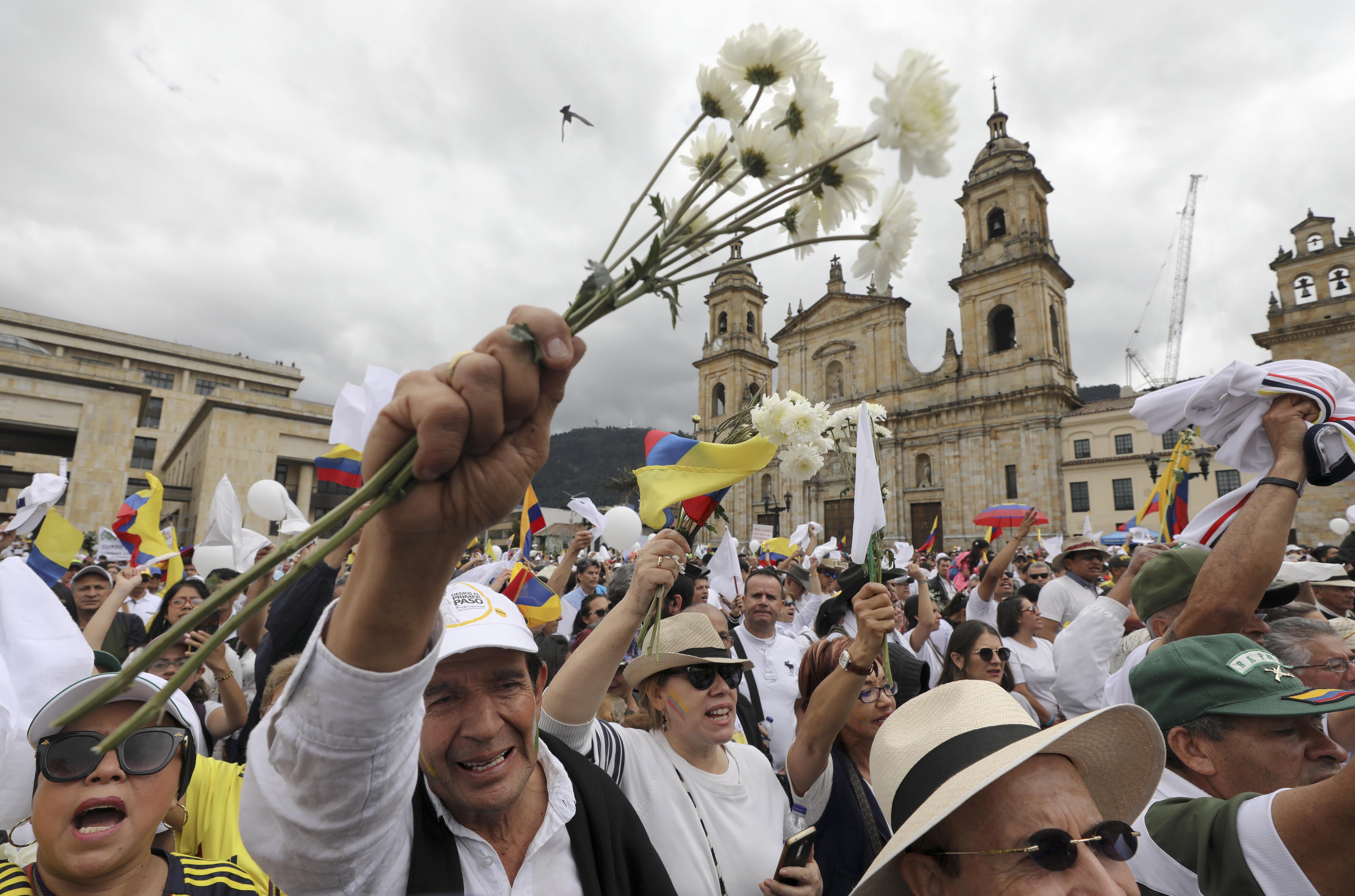 Colombia pressures Cuba to turn over ELN rebel leaders
