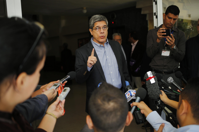 No Cuban troops in Venezuela, Cuban diplomat tells AP