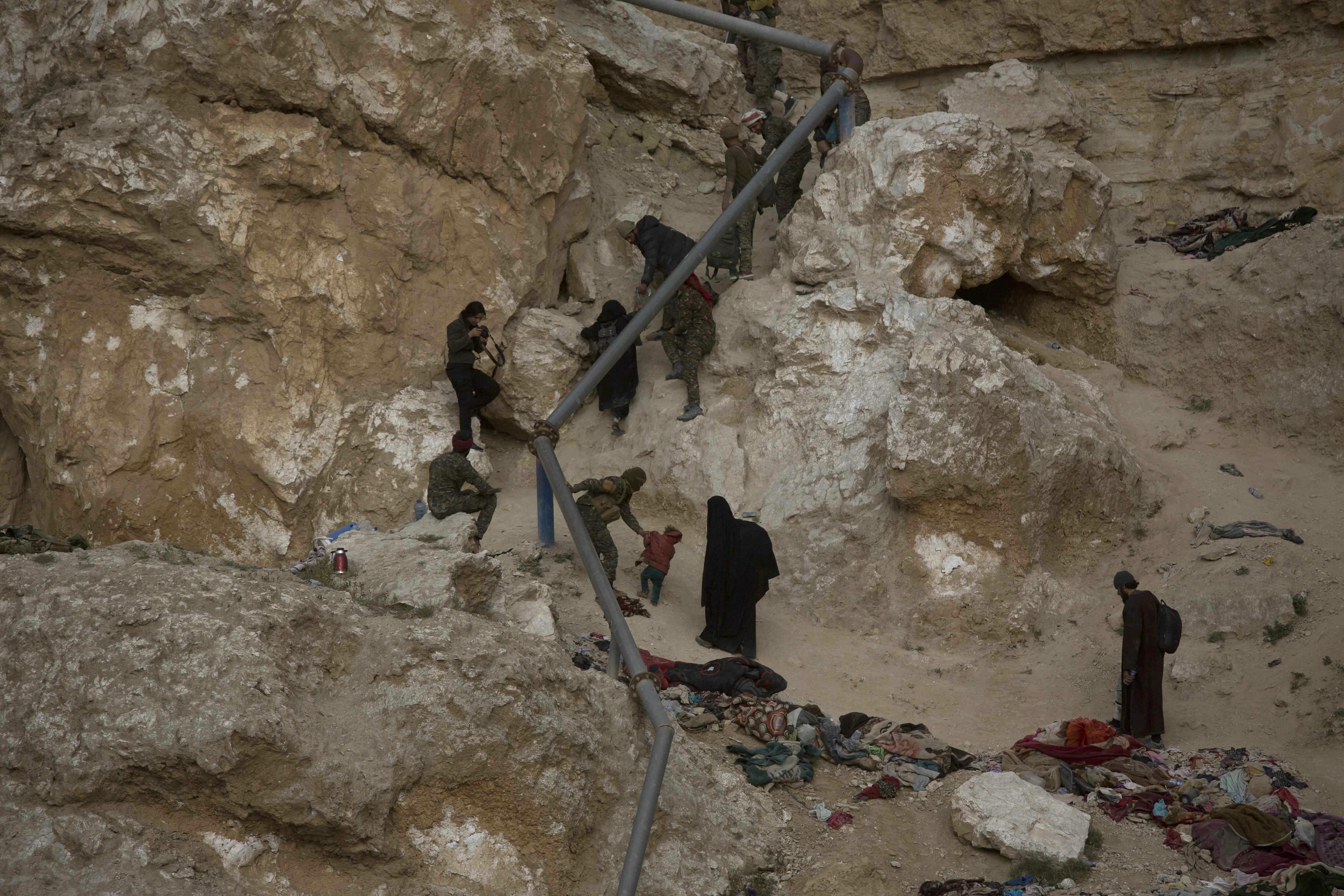 IS suicide attacks highlight perils of Syria campaign