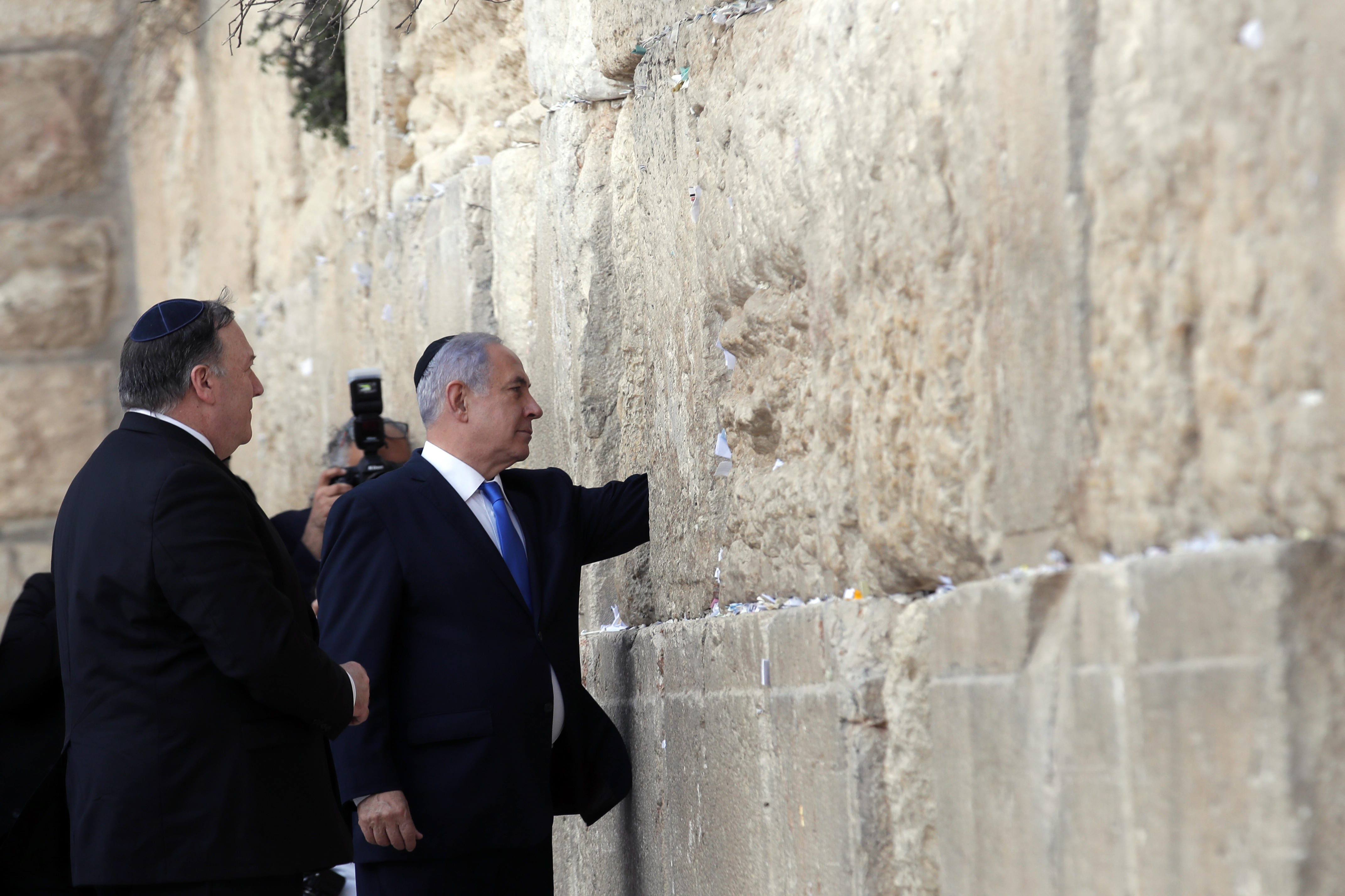 US abruptly endorses Israel's Golan sovereignty in big shift