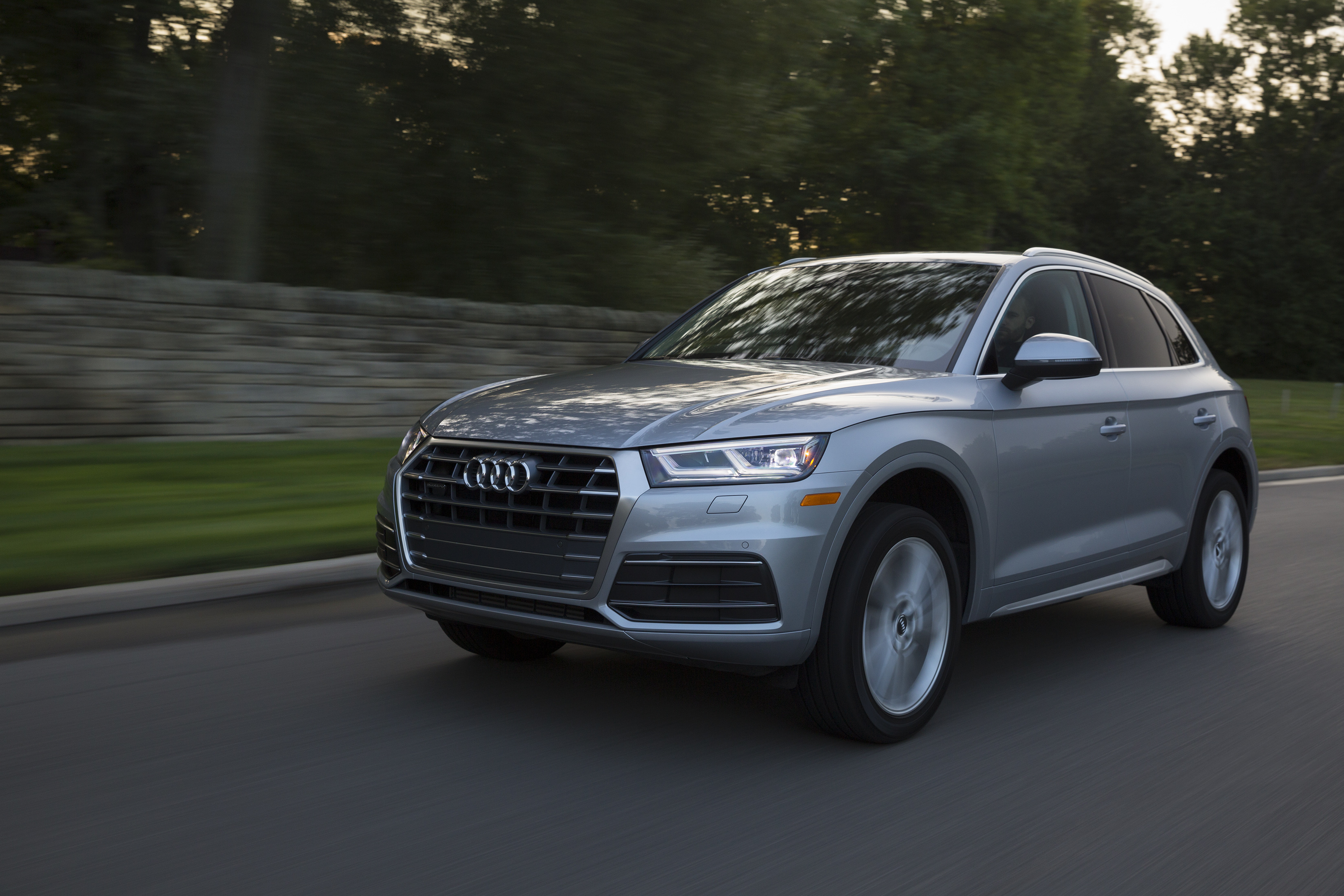 Edmunds compares the Audi Q5 and BMW X3