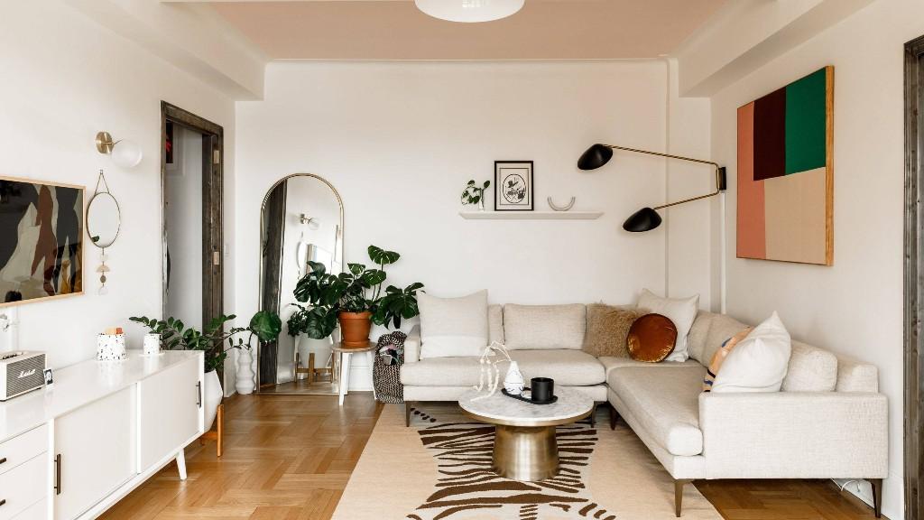 Molly Bernard's Brooklyn Apartment Is an Instant Mood Lifter