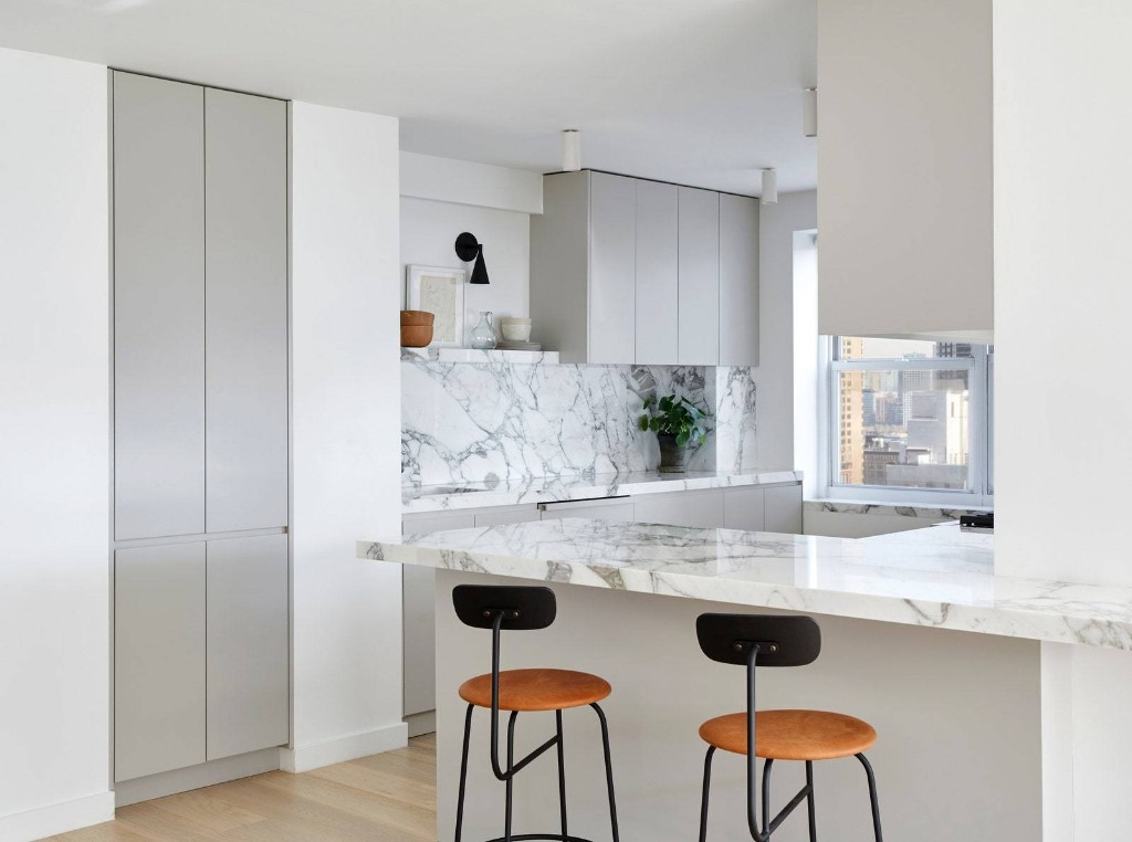 This Glam Kitchen Remodel Solidified Our Obsession with Calacatta Marble