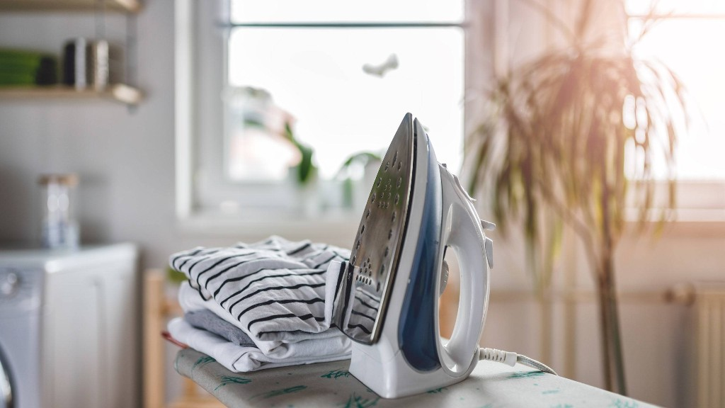How to Clean an Iron: 11 Ways to Tackle an Iron Bottom