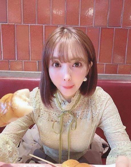 미카미 유아, 시선 강탈하는 '여친짤' 미모 폭발