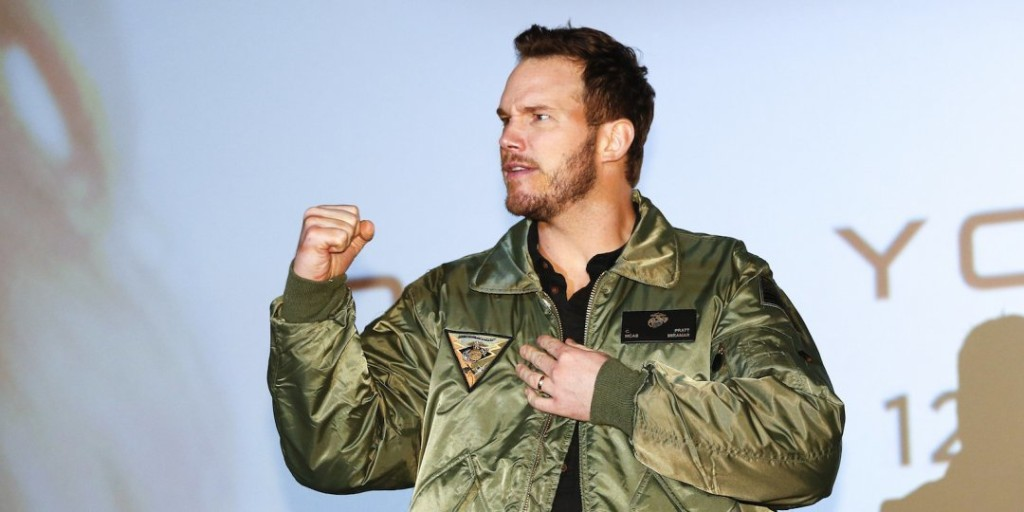 The Rock 'Bows Down' To Chris Pratt's Hilarious Treadmill Workout