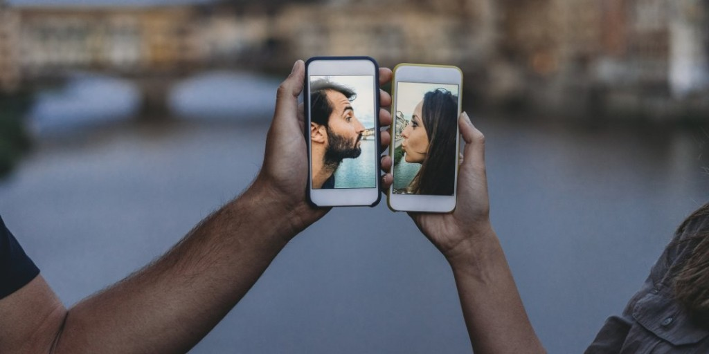 Smart Ways to Still Date (and Stay Safe) During Coronavirus