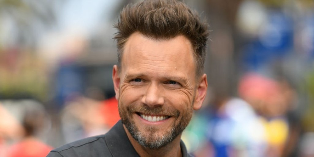 Joel McHale Wants to Play Trivia With You (for a Good Cause)