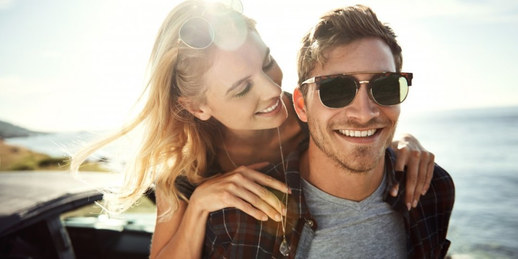 What Your Sunglasses (Secretly) Tell Her About You