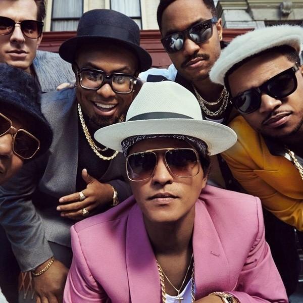 Bruno Mar 'Uptown Funk' Treadmill Dance