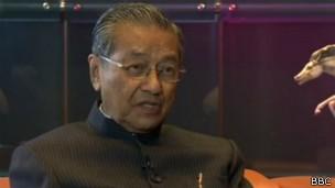 马哈蒂尔:亚洲需政治强人 尚不理解民主