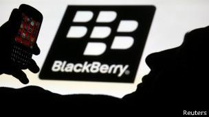 BlackBerry reporta multimillonarias pérdidas