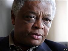 BBC NEWS   Africa   Diplomat convoy held in Zimbabwe