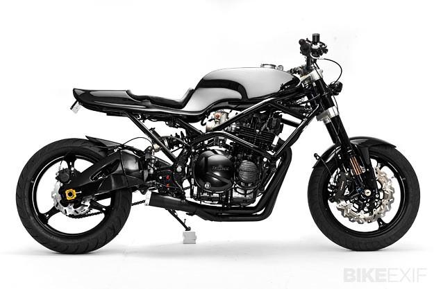 Kawasaki Z1000 by Santiago Chopper