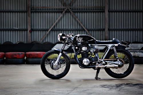 The Black: a stealthy Honda CB350 from Australia