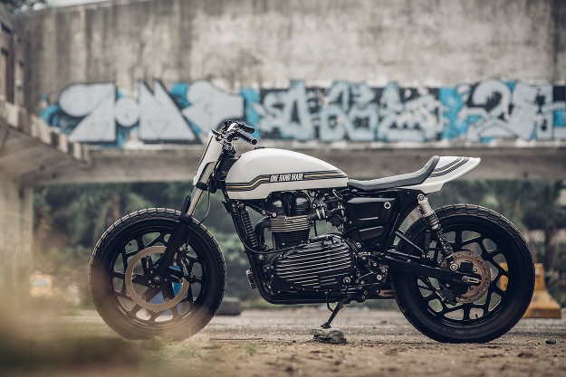 Super Ten: Onehandmade's Perfect Thruxton 900