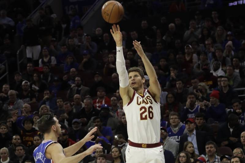 Korver Is 5th Player in NBA History to Reach 2,100 Career Three-Pointers