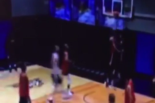 Suns' Sonny Weems Literally Rips Rim Off with 1-Handed Slam