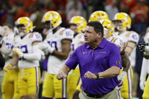 LSU's Ed Orgeron Reportedly Punched Himself Hyping Up Players, Suffered Cut