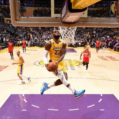 LeBron James Explains Unintended Dunk Tribute to Kobe Bryant, Comparison Video