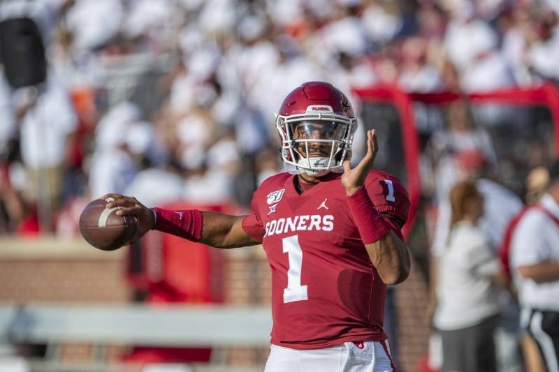 Jalen Hurts Scores 6 TDs in Debut; No. 4 Oklahoma Cruises to Win vs. Houston