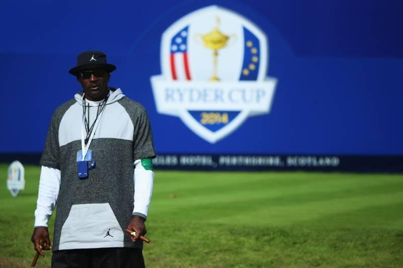 Michael Jordan Golf Bag, Shoes, Putter, Signed Driver Auction for Combined $48K
