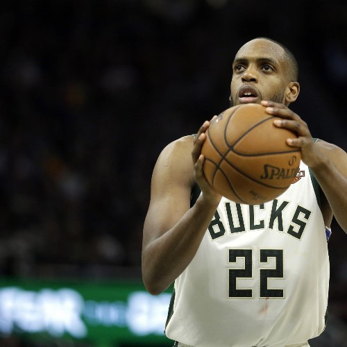 Khris Middleton Reportedly Re-Signs with Bucks on 5-Year, $178M Contract