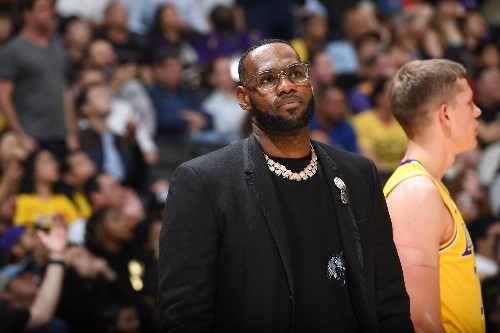 LeBron James Trade Rumors: Hollywood People 'Imploring' Jeanie Buss to Move Star