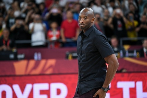 Kobe Bryant Explains Lakers GM Rob Pelinka's Heath Ledger Dinner Story