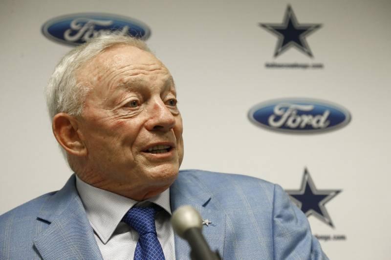 Texas Labor Union Files Complaint Against Cowboys over Jerry Jones Anthem Order