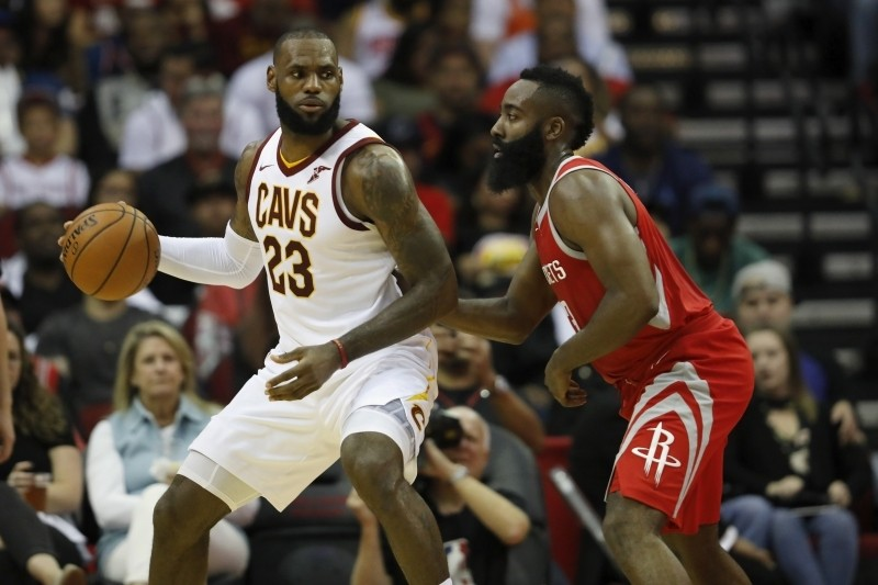 LeBron James Rumors: Execs Believe Rockets Have 'Real Chance' to Sign Cavs Star