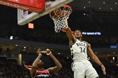 Giannis Antetokounmpo Dominant as Bucks Rout Wizards After Otto Porter Trade