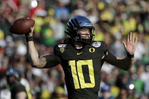 Uneven Performance in Rose Bowl Is Fitting End to Justin Herbert's Oregon Career