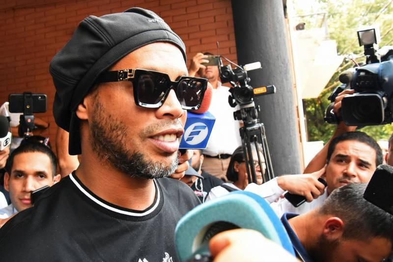 Ronaldinho Arrested in Paraguay over Altered Passport