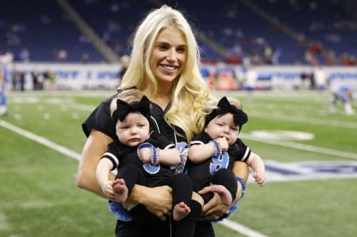 Lions' Matthew Stafford Says Wife Kelly Doing Well After Brain Surgery in April