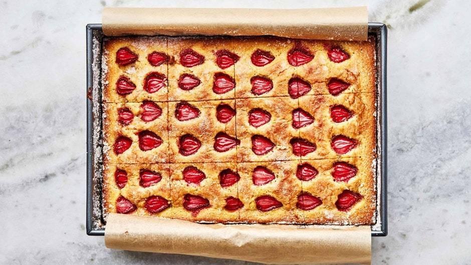 Strawberry Snacking Cake
