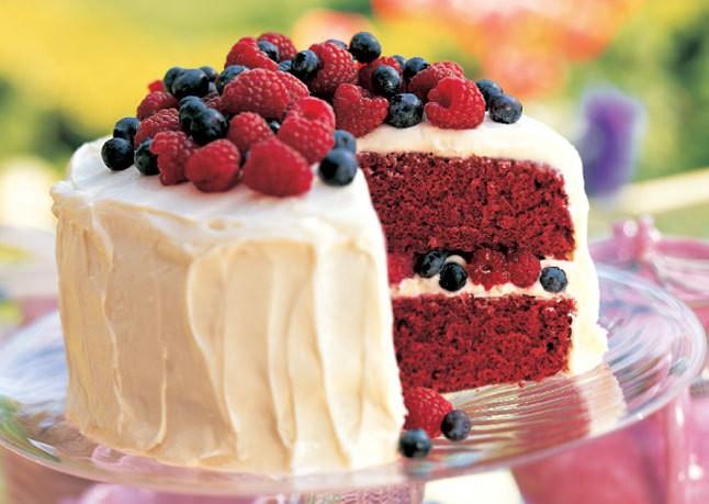 Yummy Cakes - Magazine cover